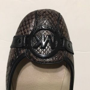 Michael Kors Shoes - MICHAEL KORS Logo Embossed Fulton Moc Size 7